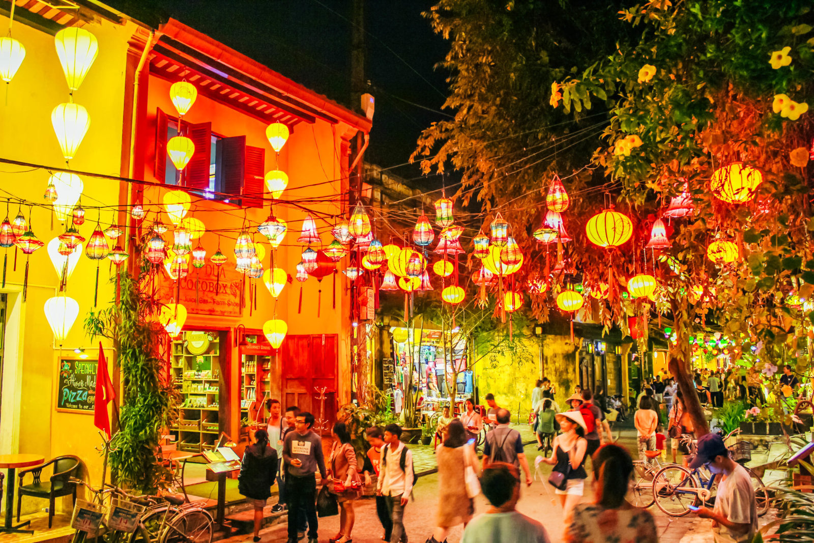 Best nightlife experiences in Hoi An - Take Stunning Photos at Night